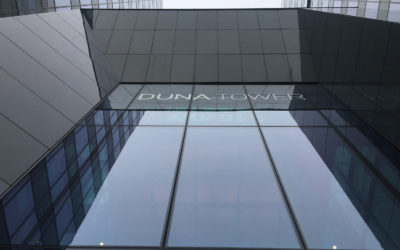 Point-supported glass, Duna Tower