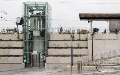 Glass Elevator, Viroflay train station
