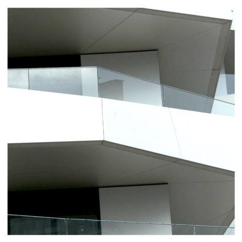 Main courante en aluminium pour garde-corps SABCO en verre