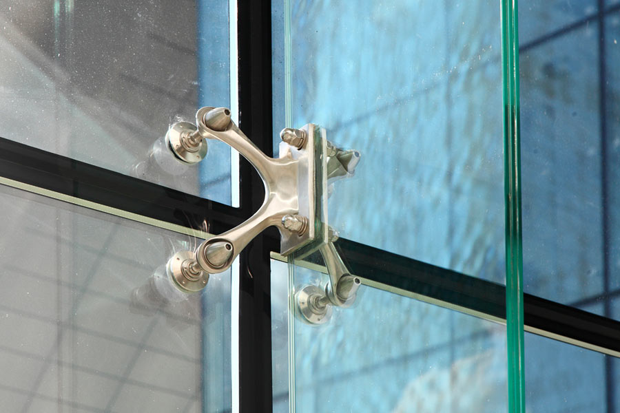 Swivel fitting - rotule - for structural bolted glass - for insulated glass - Fixed on the first glass layer - bomb blast resistant