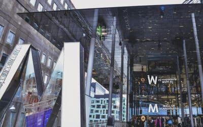 Tailor-made glass wall fastening, Scandinavia Mall